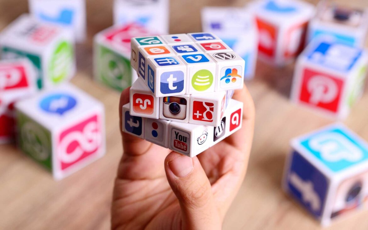 SOCIAL LISTENINGADDRESSING: WIN and DELIGHT CUSTOMERS BY A RENOWNED DIGITAL MARKETING AGENCY